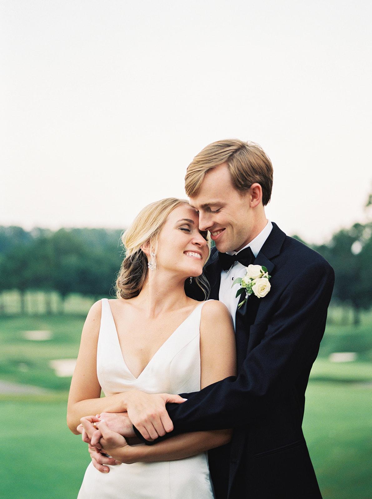 Bride and groom | Birmingham, Alabama wedding | Taylor Dane Photography | Custom wedding invitations by Little Fox Paperie | Gracie Nunez