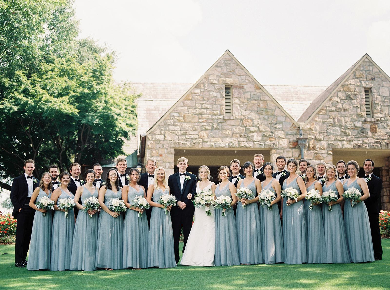Wedding party | Birmingham, Alabama wedding | Taylor Dane Photography | Custom wedding invitations by Little Fox Paperie | Gracie Nunez