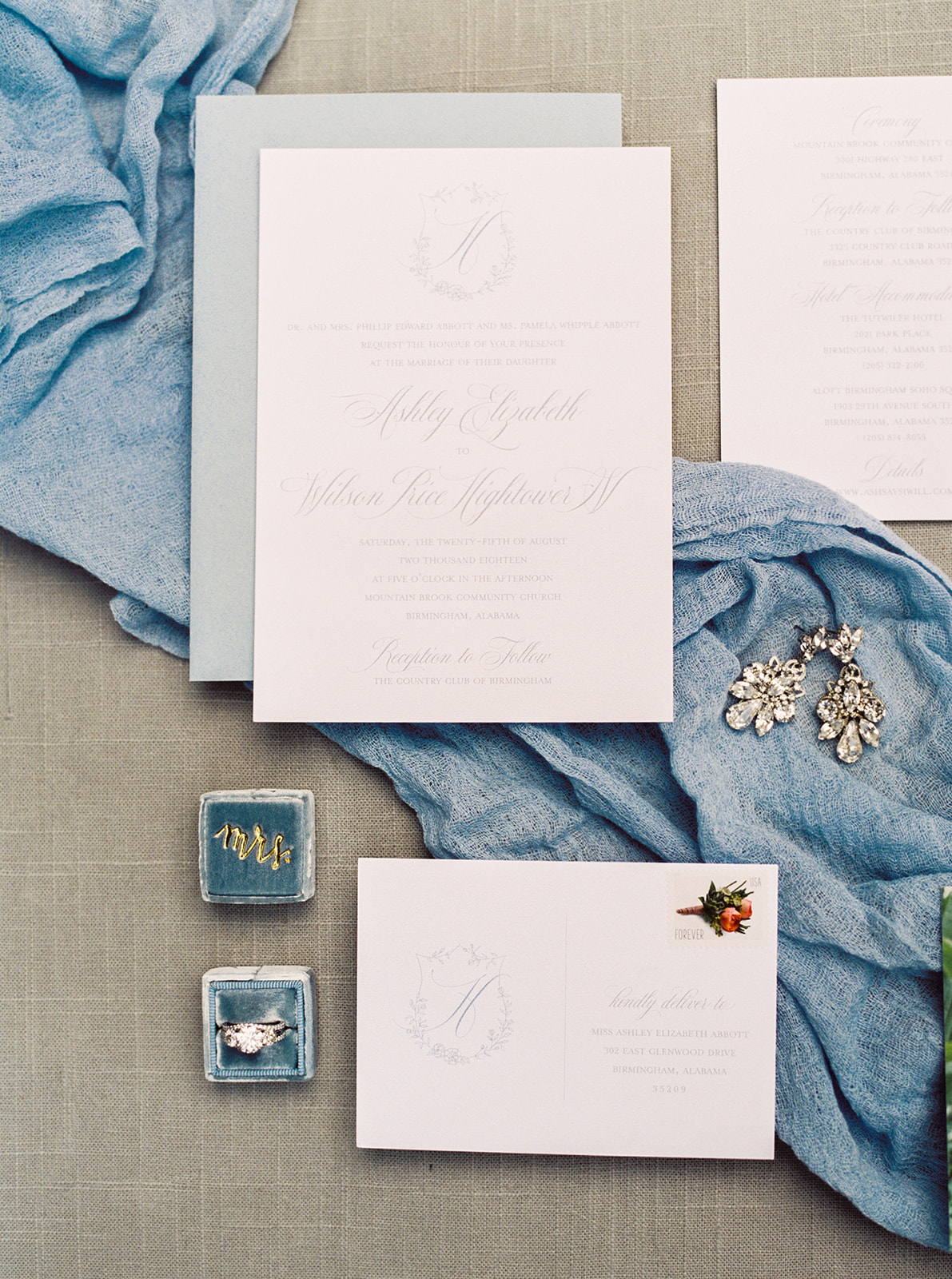 Wedding invitation suite | Birmingham, Alabama wedding | Taylor Dane Photography | Custom wedding invitations by Little Fox Paperie | Gracie Nunez