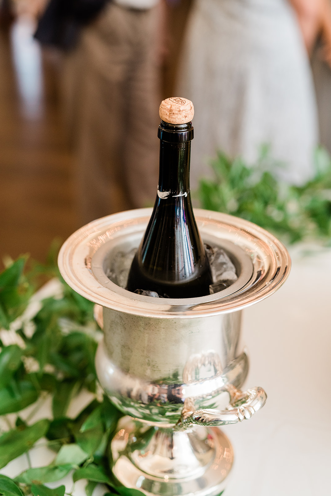 Champagne bucket | Birmingham, Alabama wedding | Taylor Dane Photography | Custom wedding invitations by Little Fox Paperie | Gracie Nunez